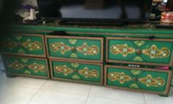 Nice piece with six drawers for clothes and to put