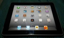 WTS Ipad 1 wifi + cellular 16Gb with cover. Working