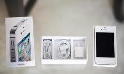 One unit of white iPhone 4 32Gb complete set with