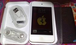 Selling a good working condition ipod touch 64gb white