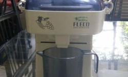 Used Juice Extractor, compact, light weight & easy to