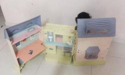 1. Three foldable 2. Kitchen, bathroom, sleeping place