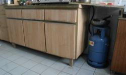Used cabinet for to store vessels, 3 Doors and 3