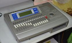 The D1600 provides 8-track simultaneous recording and