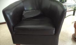 Lovely looking comfortable tub chair. Absolute bargain,