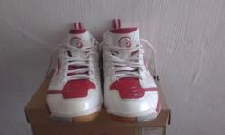 Li-ning badminton shoes just use for 3 times only, size