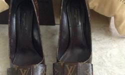 Louis Vuitton soles, original, size 39, worn twice,
