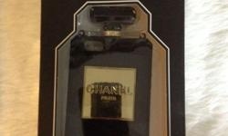 iPhone5S Chanel ase Luxury features Now offer at $9.9