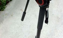 This 4-section aluminum Manfrotto Fluid Monopod with
