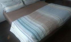 Large double Mattress 1,60m with foot. Very good