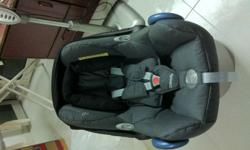 FOR SALE MAXI COSI CAR SEAT SGD 300 SELDOM USED
