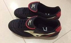Mizuno spiked shoes, size US 7.5/UK 6.5/EURO 40/BRA