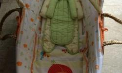 Great condition Moses Basket. Comes from pet free and