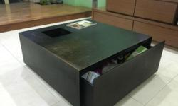 Coffee Table (80L x 80W x 32H) P/S: Cash & Carry (Pls