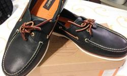 Selling my brand new boat shoe by Timberland which I do