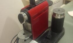 Selling Nespresso C120 Espresso machine - includes Easy