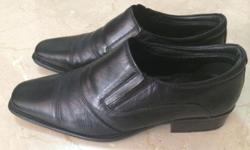 Hush Puppies black leather shoes Size 10 for sale. Was