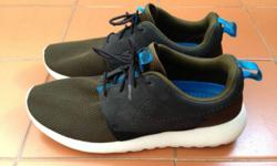 Nike Roshe Run Size US 9 Interested parties, please