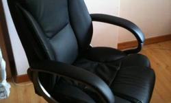 Office Chair Good Condition $200 Self-collect at