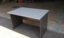 For sale secondhand office table perfect for home