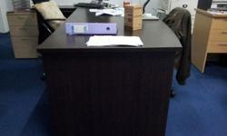 director table and side cabinet unused condition 10/10