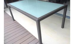 1.8m X 1m outdoor table OHMM (reputable) brand. In peak