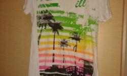 Hi, I am selling away a size xl Oneill T-Shirt. It was