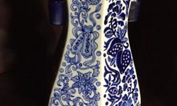 30cm height Beautiful vase, with two blue handles on
