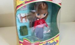 Released in 2007. Collectible is a posable doll with
