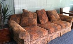 Plush sofa set 2+3 seater going at great discount.
