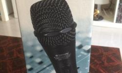 Professional Handheld Microphone - Ideal for Karaoke