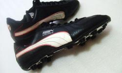 ~~~ PUMA SOCCeR STuDDeD BooTs /Shoes Size 8 ½ UK $68