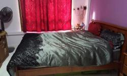 Queen size PICKET& RAIL Wooden bed. . Excellent