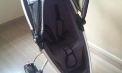 Quinny Zapp baby stroller I am selling away a baby