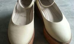 Real cream leather wedge, worn thrice, sole in tip top