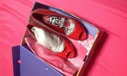 Bought this via Facebook online.RED EDHARDY SHOES SIZE