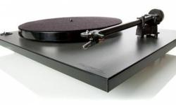 Rega RP1 turntable in mint condition for Sale. Great