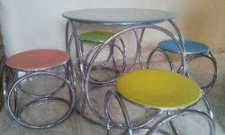 Round Metal Table with glass top and round Colour