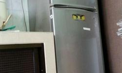 Samsung Fridge Model No: RT30MBSS. GOOD WORKING