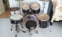 Second-hand full drum kit for sale!!! Used for 1 year.