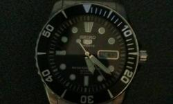 Selling this 2 days old Seiko series 5 automatic watch