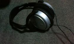 I am selling this Philips SHP2500 Headphone. Currently