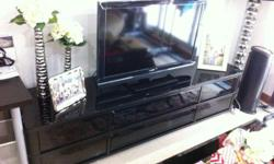 Selling TV console in excellent condition for $199