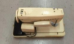 Singer Sewing machine For Sales Good condition, self