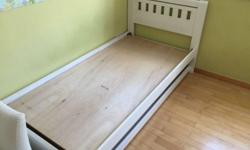 1x single bedframe in white paint, from King