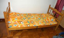 Single size wooden bed frame (easy to assembly) +