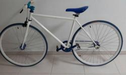 Size 46 blue white fixie for sale, never rode before as