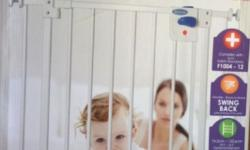 Lucky baby smart system swing back gate, white