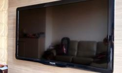Lightly used 40 inches Philips LCD TV for sale. - Full