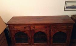 Fantastic condition solid wood cabinet